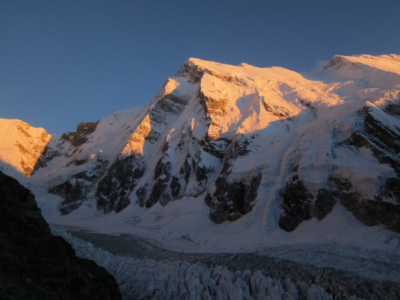 Talung and the messy glacier.  No snow even at 5500m