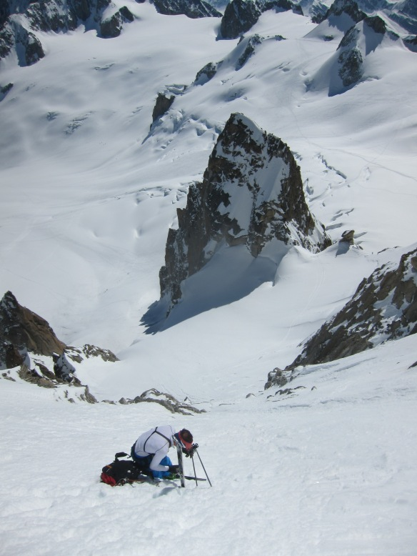Putting the ski's on a few hundred meter bellow the Col du Diable