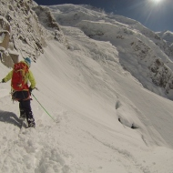 Michelle Blaydon skiing out the Bottom.